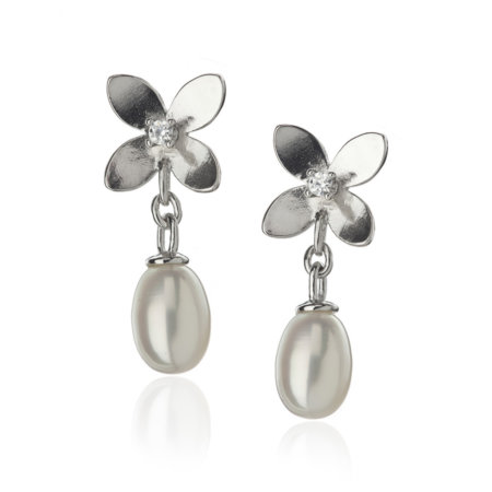 Forget Me Not 4 petals studded earrings with pearls